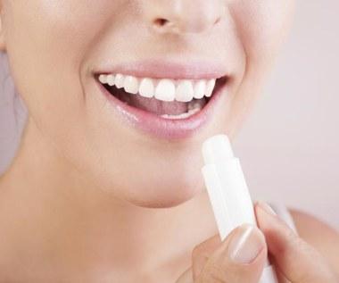 7 nietypowych zastosowań pomadki do ust