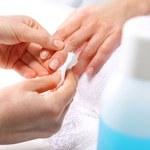 7 pomysłów do czego wykorzystać zmywacz do paznokci