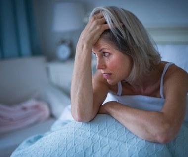7 przyczyn nocnego pocenia się