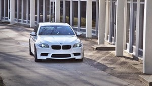 700 KM w BMW M5 od Switzer Performance