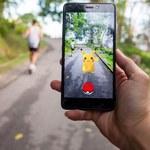 72-letni fan Pokémon Go gra na 64 telefonach jednocześnie