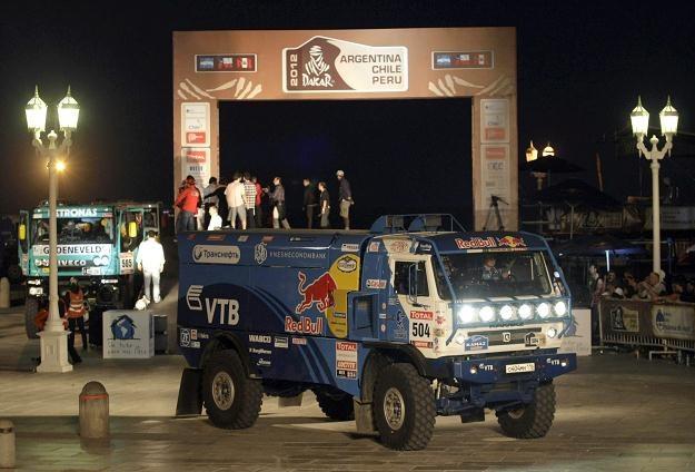 740 kierowców i pilotów z 50 krajów wystartuje w tegorocznym Rajdzie Dakar /PAP/EPA