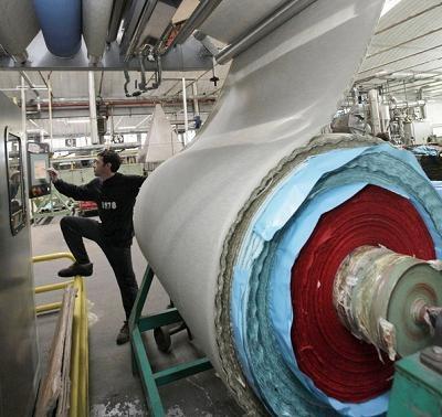 75 proc. pracodawców nie stworzyłoby nowego miejsca pracy, gdyby nie usługa pracy tymczasowej /AFP