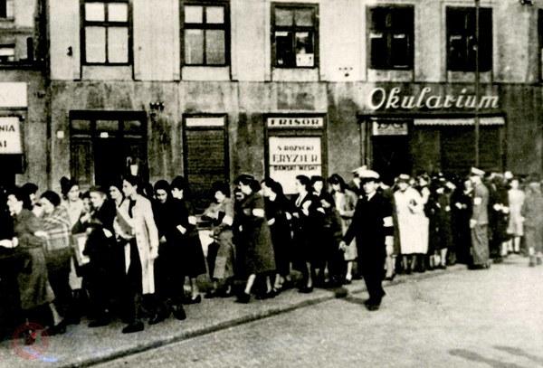 Ulica w getcie warszawskim, 1941 r.