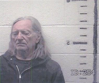 77-letni wokalista aresztowany za marihuanę