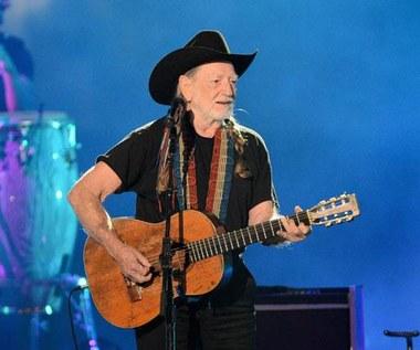 79-letni wokalista hospitalizowany