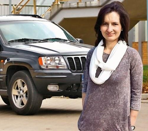 8. Duży samochód z paliwożernym silnikiem /Motor