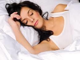8 godzin zdrowego snu /© Photogenica