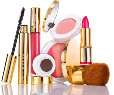 8 informacji na temat daty ważności kosmetyków