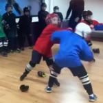 8-letni hokeiści uczą się bić. Szokujące nagranie z Rosji