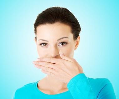 8 sposobów na wyleczenie nieświeżego oddechu