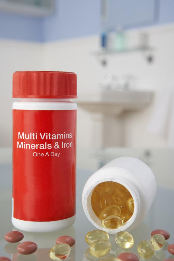8 witamin i suplementów które powinieneś stosować codziennie /© Photogenica