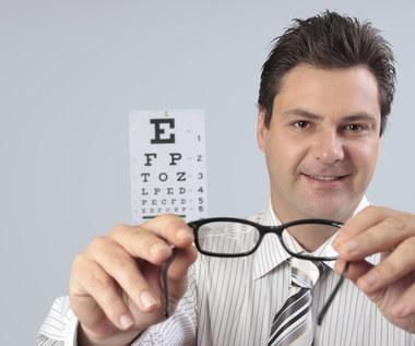 8 zmian, które nastąpią, jeśli zamienisz soczewki kontaktowe na okulary