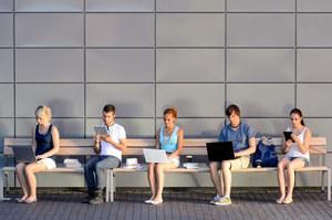 80 proc. użytkowników portali społecznościowych chce  z nich zrezygnować