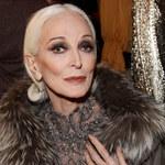 82-letnia modelka nie składa broni