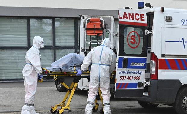 8742 zakażenia koronawirusem w Polsce. Zmarło niemal 350 osób [RELACJA 18.04.2020]