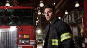 """""""9-1-1"""": Szalone wypadki, żarty na planie i bohaterstwo strażaków - rozmawiamy z Ryanem Guzmanem"""