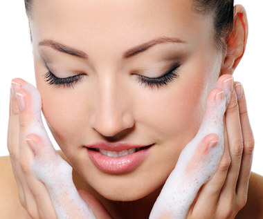 9 rzeczy, które źle wpływają na skórę twarzy