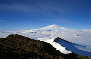91 nowych wulkanów odkrytych pod lodami Antarktyki