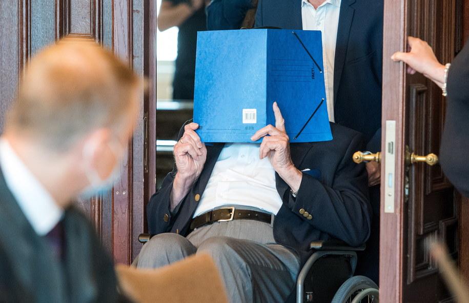 93-letni Bruno D. w sądzie w Hamburgu /Daniel Bockwoldt /PAP/EPA