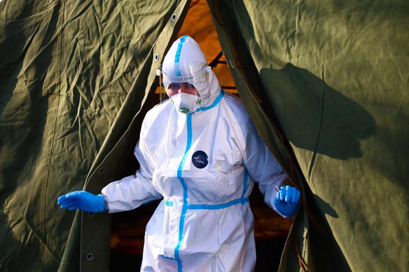 95 proc. wszystkich dotychczasowych szczepień zostało przeprowadzonych w zaledwie 10 krajach /Beata Zawrzel/NurPhoto /Getty Images
