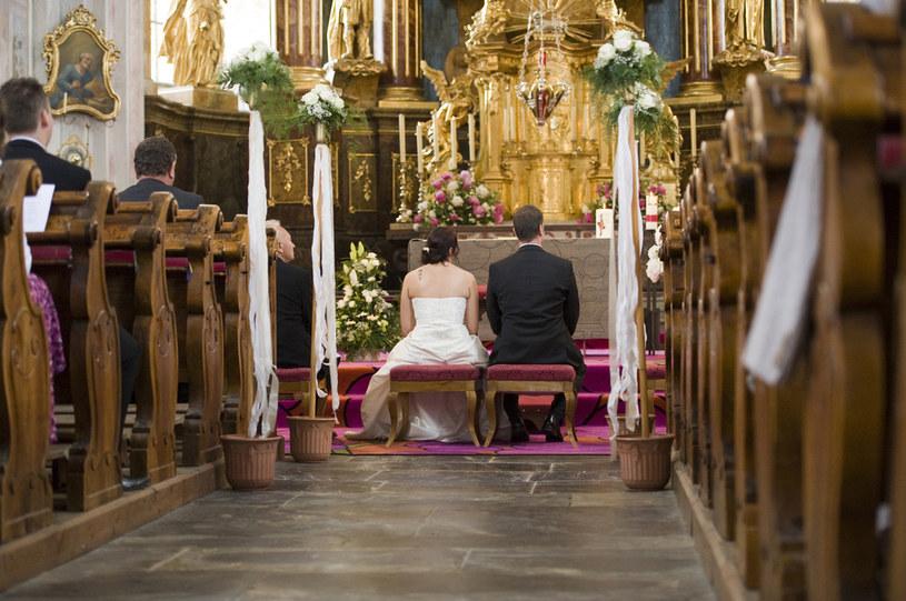 99,2 proc. ślubów zawieranych jest w Kościele katolickim /Agencja SE/East News