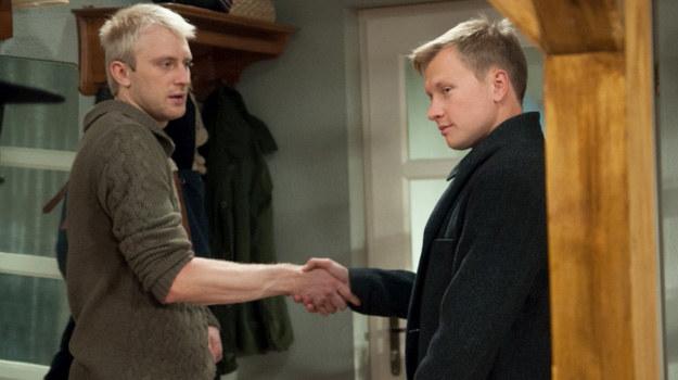 A gdy Igor pójdzie do Magdy, przez przypadek zastanie w jej mieszkaniu... Kazika, który przedstawi mu się jako... chłopak Żebrowskiej. /Agencja W. Impact