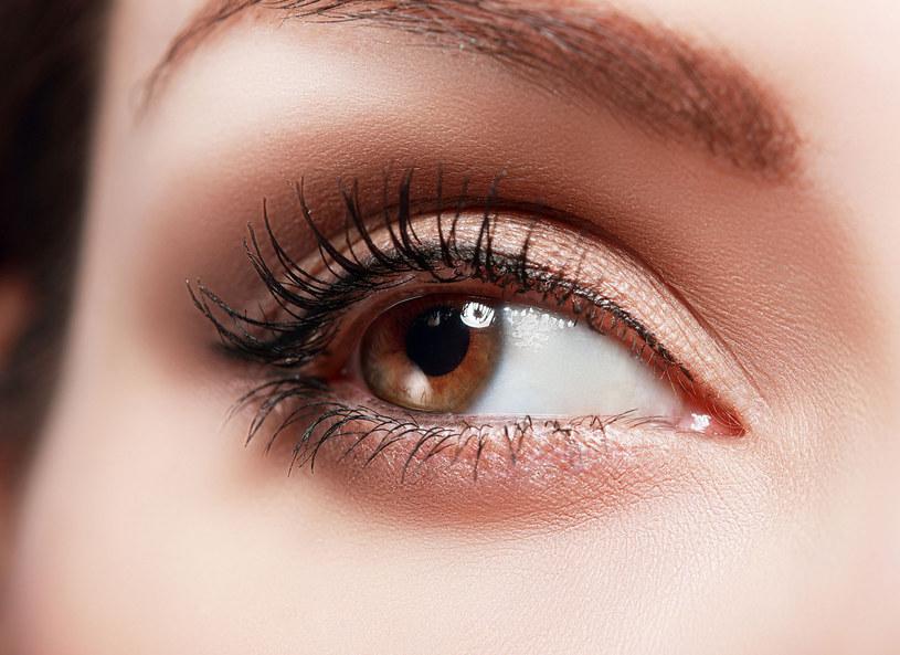A jak ty podkreślasz swoje oczy? /123RF/PICSEL