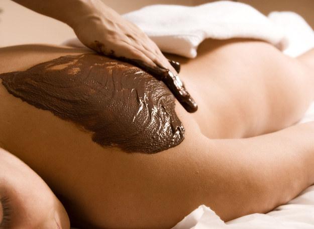 A może czekoladowy masaż? /123RF/PICSEL
