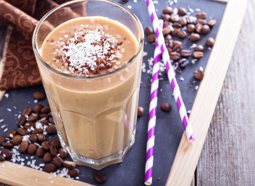 A może kawa zamiast deseru? /123RF/PICSEL