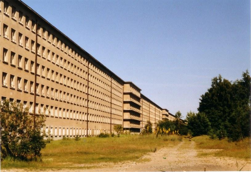A tak Prora wyglądała jeszcze w 2004 roku - pozostałości budowy sprzed II wojny światowej Fot. Steffen Löwe Gera /Wikipedia