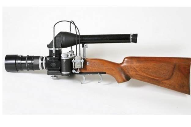 """A to dopiero aparat do """"strzelania"""" zdjęć - """"Strzelba Leica /gizmodo.pl"""