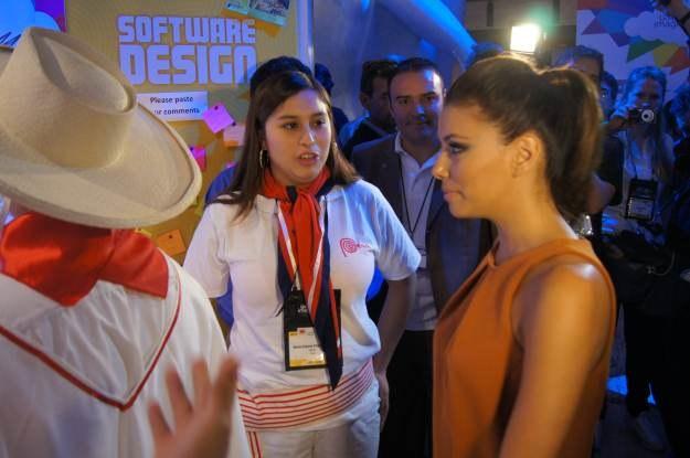 """A to Eva Longoria, znana z serialu """"Gotowe na wszystko"""" i zespół studentów z Chile /INTERIA.PL"""
