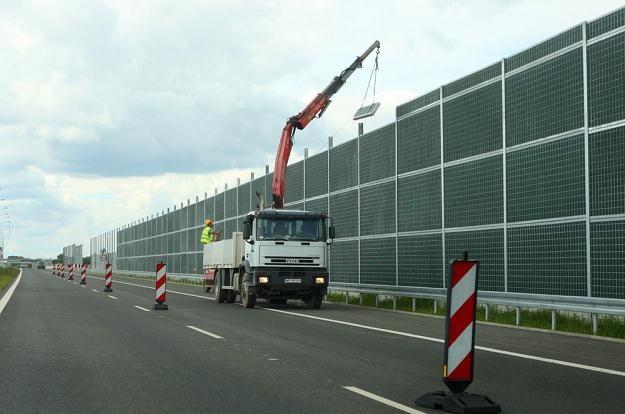 A2: Kierowcy jeżdżą, a prace trwają... /  Fot: Stanisław Kowalczuk /East News