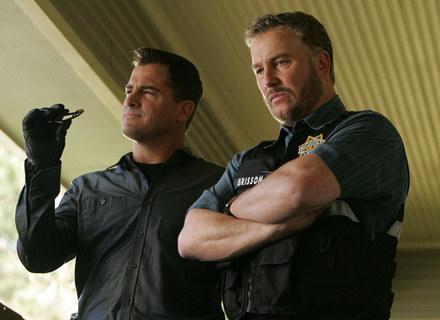 aAent Gilbert Grissom (William Petersen - po prawej) opuścił agentów z Las Vagas /materiały prasowe