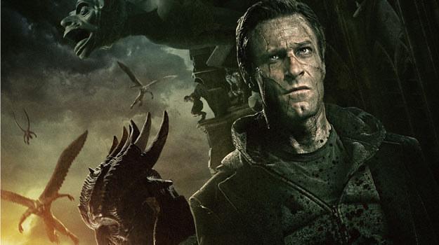"Aaron Eckhart na polskim plakacie filmu ""Ja, Frankenstein' /materiały dystrybutora"