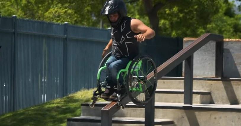Aaron Fotheringham jest twórcą WRCX, sportu ekstremalnego, uprawianego przez osoby jeżdżące na wózku inwalidzkim /YouTube