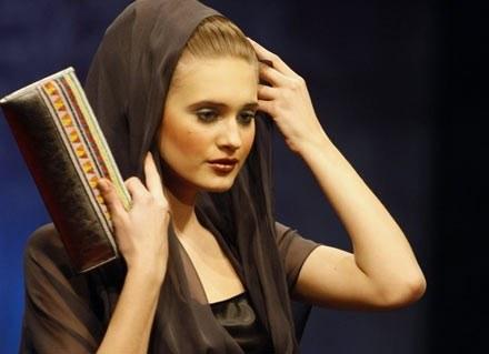 Abaje zostały stworzone przez zachodnich projektantów mody /AFP