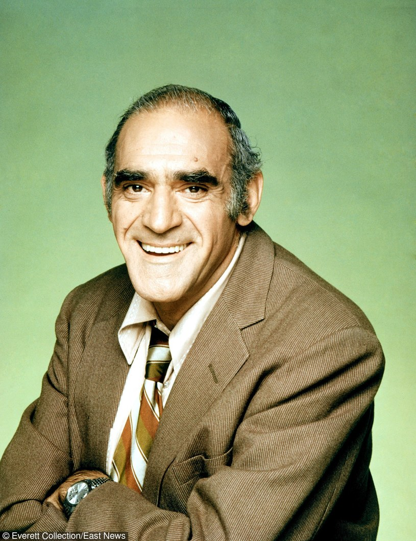 Abe Vigoda jako detektyw Phil Fish /Everett Collection /East News