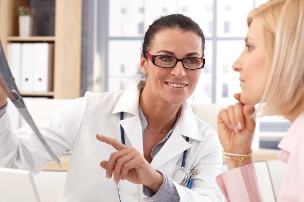 Abonamenty medyczne kuszą pracowników /©123RF/PICSEL
