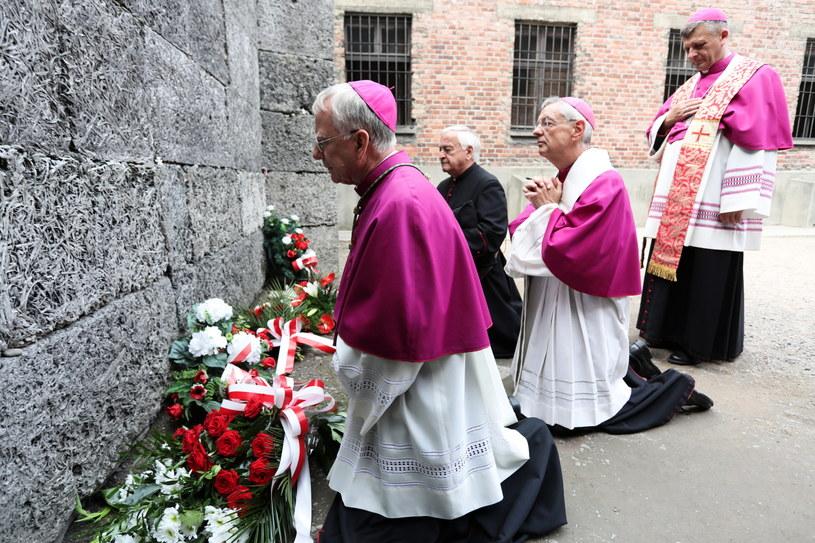 Abp Marek Jędraszewski podczas uroczystości 77. rocznicy śmierci ojca Maksymiliana Kolbego /Jan Graczyński /PAP