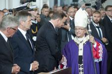 Abp Sławoj Leszek Głódź. Prezydent odbierze duchownemu stopień generalski? Znamy stanowisko Pałacu