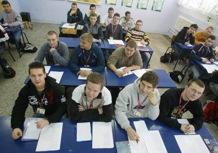 Absolwenci techników, po zakończeniu nauki, z pewnością znajdą pracę / fot. P. de Ville /INTERIA.PL/PAP