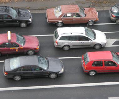 Absurd drogowy w Warszawie