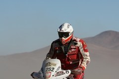 Abu Dhabi Desert Challenge 2010: Rafał Sonik czwarty na mecie I rundy MŚ