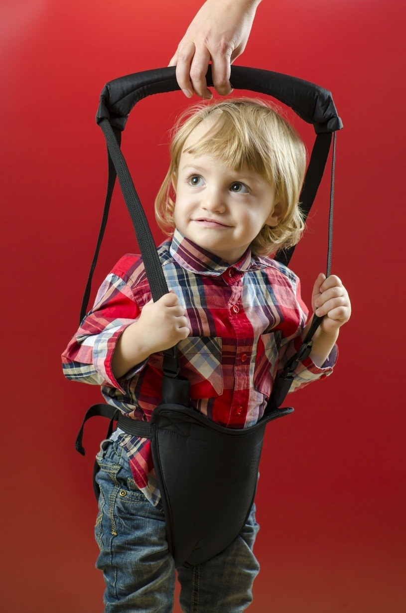 Aby było bezpiecznie, sprzęty te muszą być użytkowane okazjonalnie, przez dzieci starsze, pod kontrolą dorosłych /123RF/PICSEL