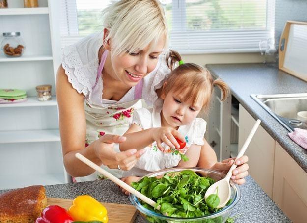 Aby dziecko zachowało szczupłą figurę, należy zdrowo je odżywiać /© Panthermedia