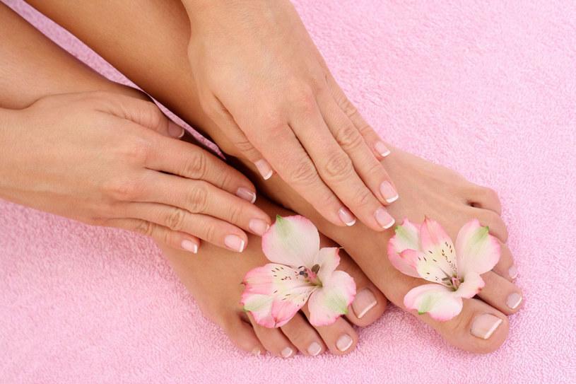 Aby twoje paznokcie były w dobrej formie wybieraj odżywki z keratyną, wapniem, krzemem, magnezem lub żelazem /Monika Adamczyk  /123RF/PICSEL