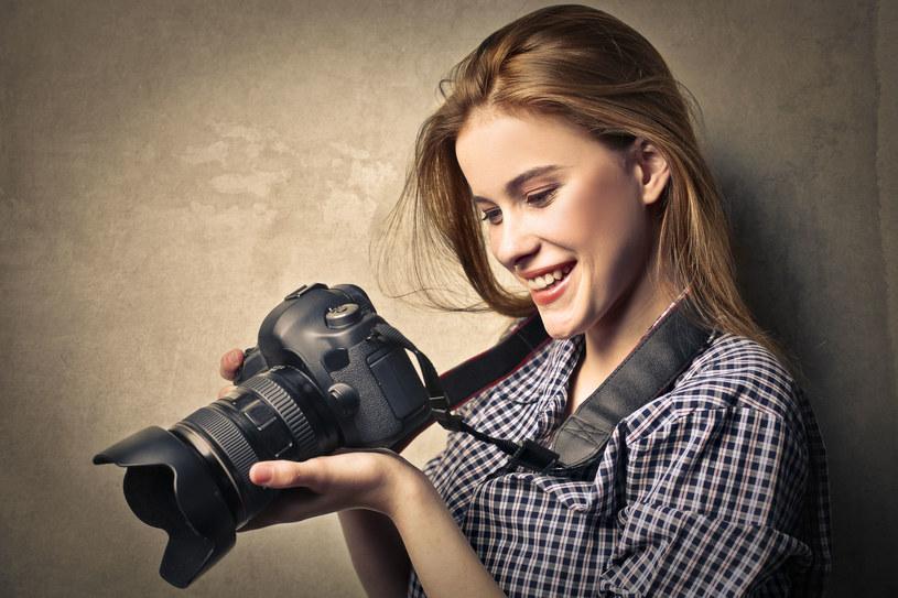 Aby uniknąć nieostrych kadrów ustaw możliwie najkrótszy czas naświetlania i zawsze, kiedy to tylko możliwe, używaj statywu - to najlepszy przyjaciel fotografa /123RF/PICSEL