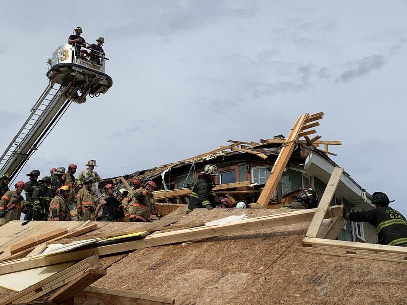 Aby uratować poszkodowanych, strażacy musieli użyć wysięgnika /Twitter/ DC Fire and EMS /Archiwum